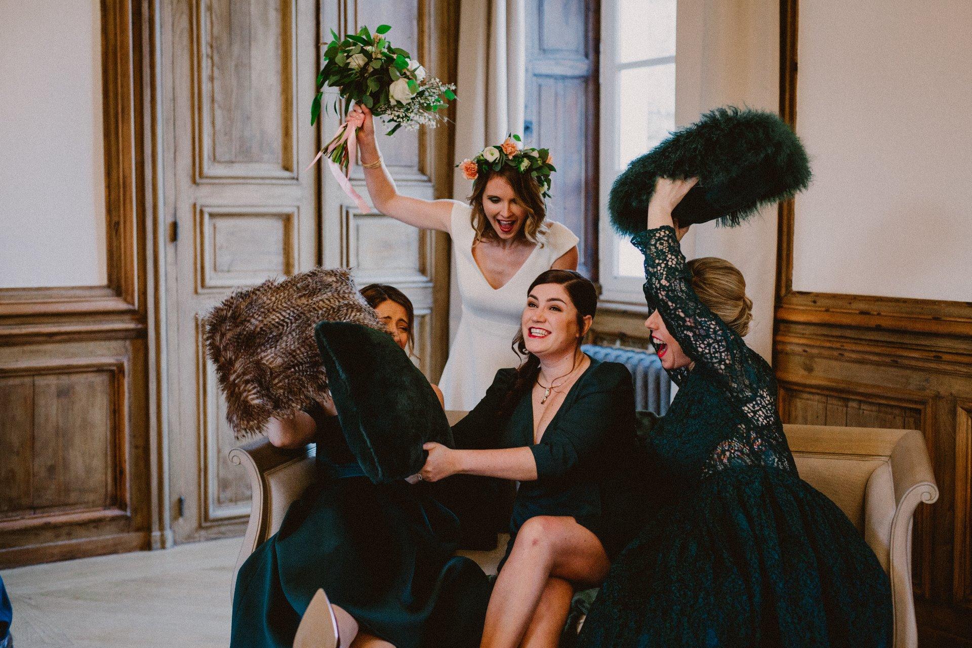 sterenn-officiante-ceremonie-laique-bataille-mariée-demoiselles-d'honneur-231