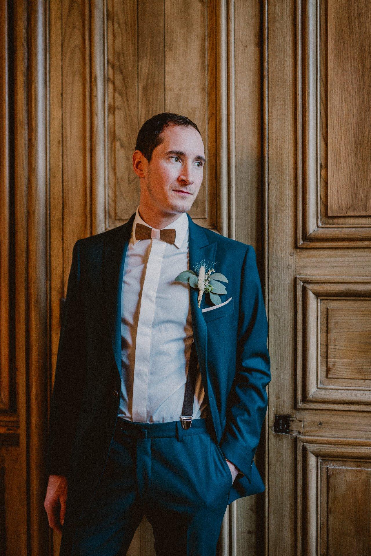 sterenn-officiante-ceremonie-laique-costume-marié-vert-foret-265