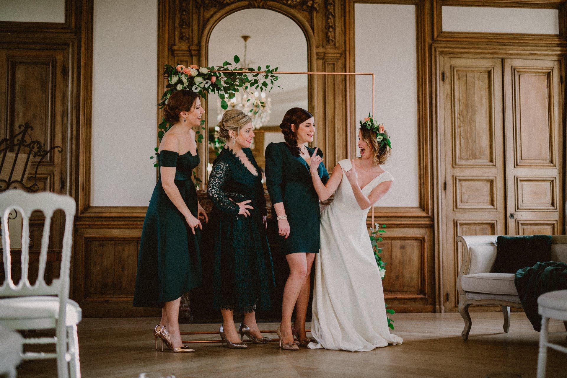 sterenn-officiante-ceremonie-laique-mariee-demoiselles-honneur-mariage-rock-vert-115