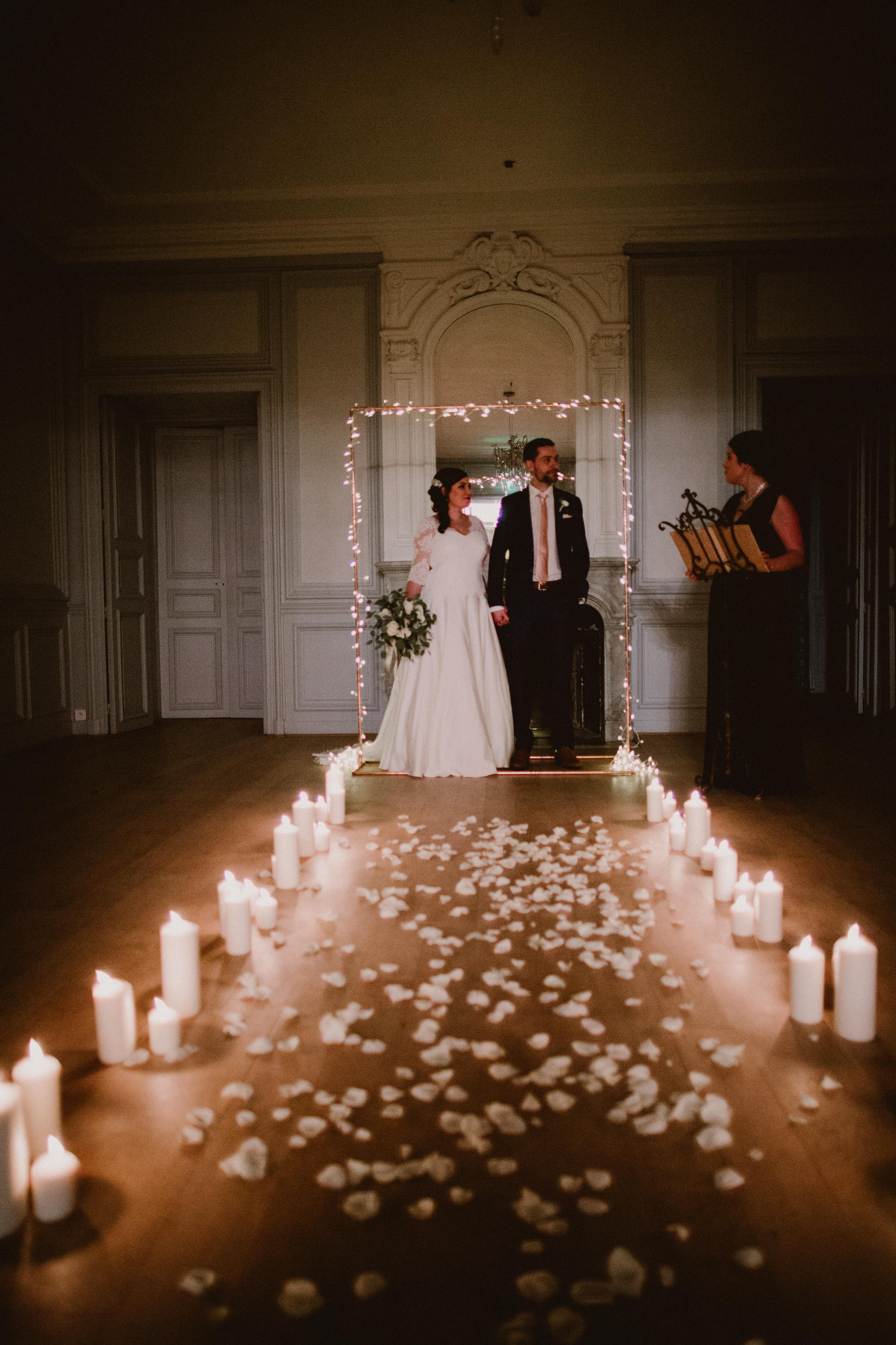 sterenn-officiante-ceremonie-laique-nuit-mariage-bougies-crepuscule-elopement