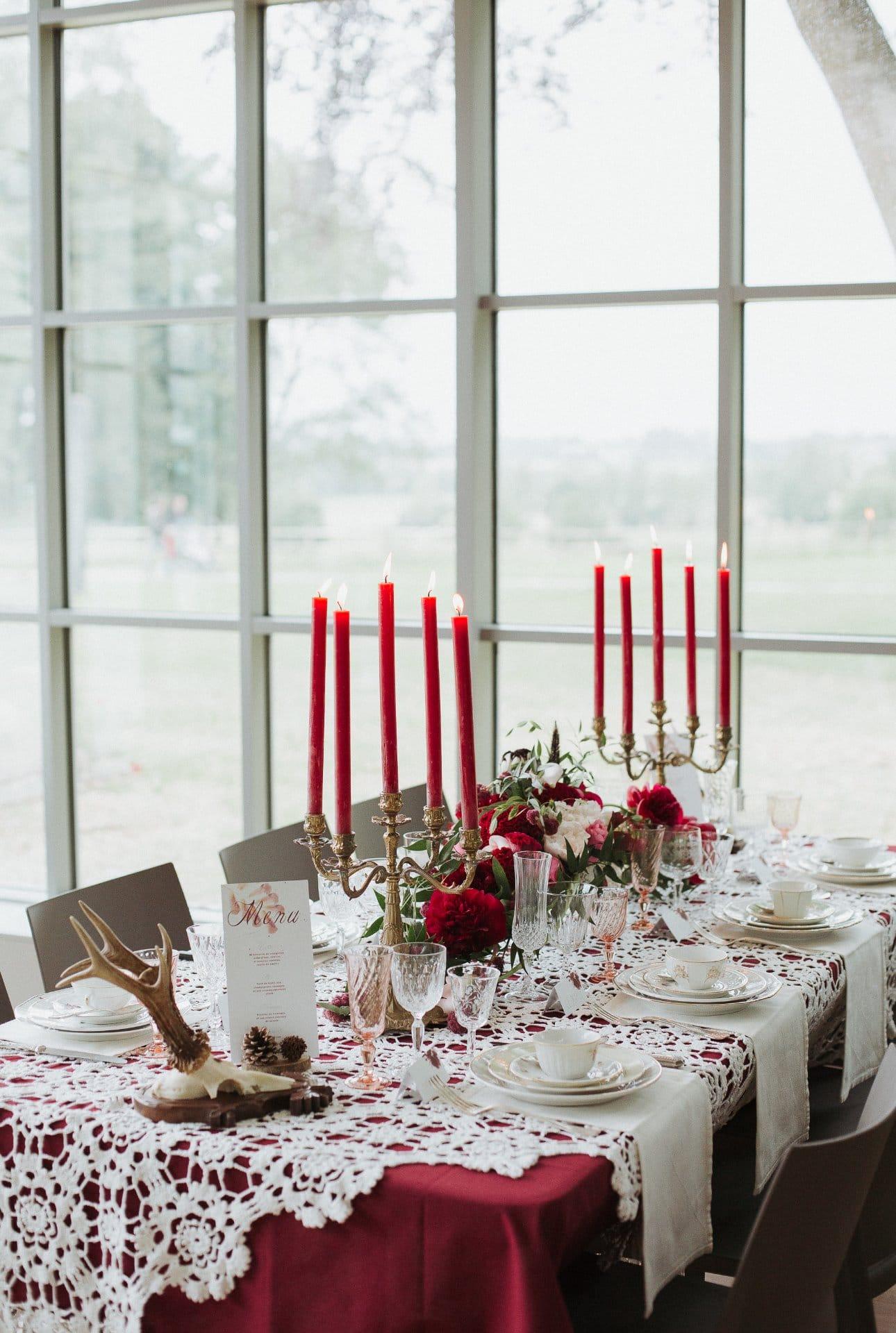 sterenn-officiante_ceremonie-laïque-bretagne-rennes-inspiration-bordeaux-table-vaisselle-vintage