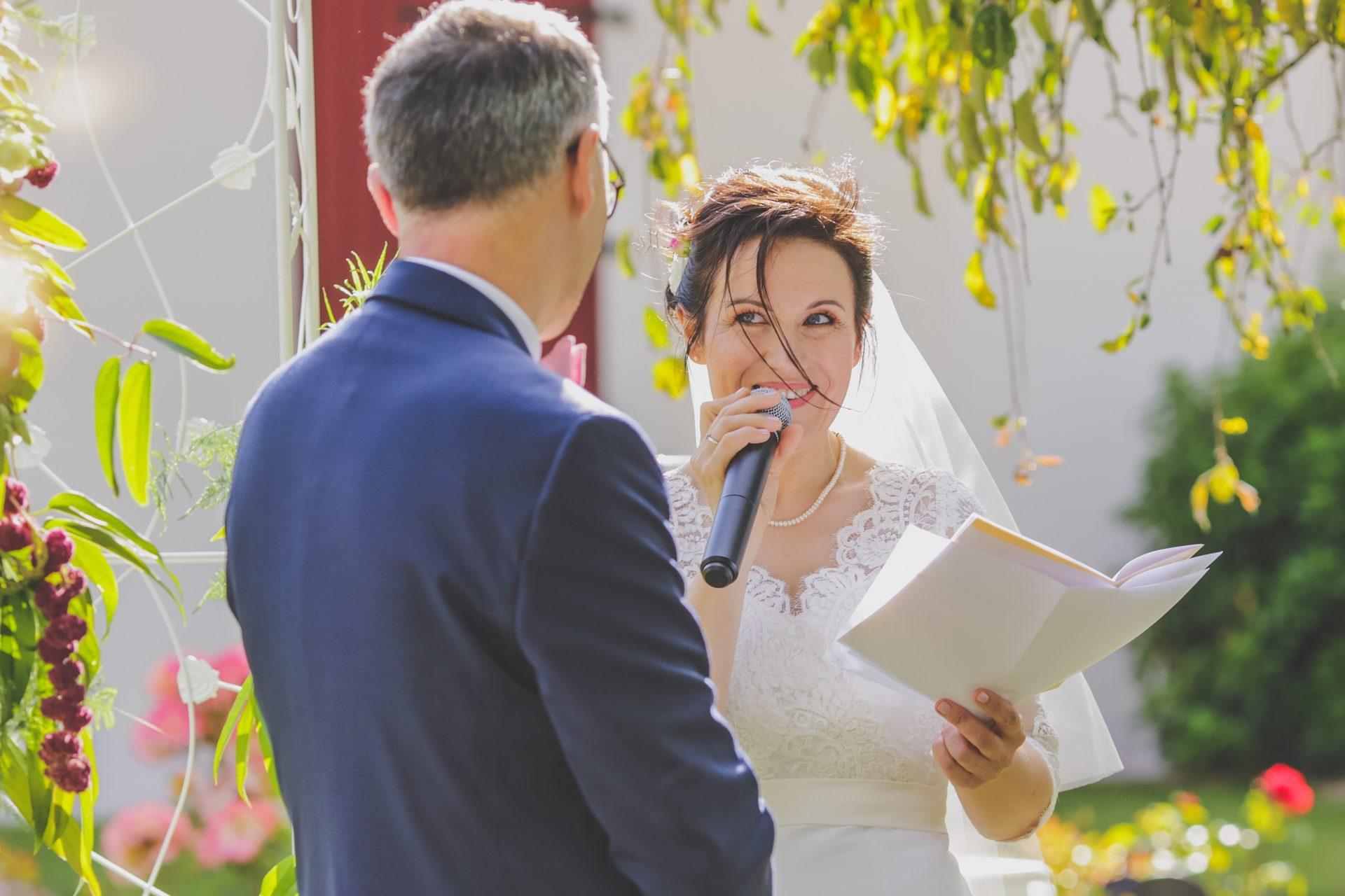 Sterenn Officiante cérémonie mariage Laurence et Philippe Domaine de La Pommeraie